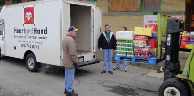 More people seeking food pantry help